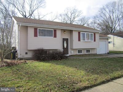 Hamilton Single Family Home For Sale: 19 Farm Brook Drive