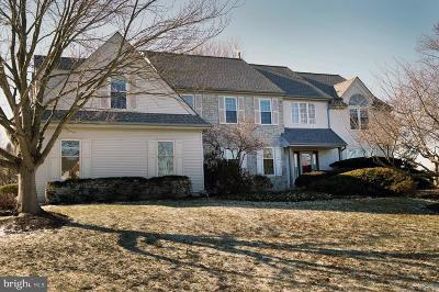 West Windsor Single Family Home Under Contract: 8 E Kincaid Drive
