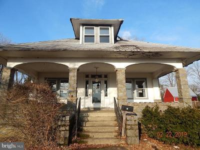 Hamilton Single Family Home For Sale: 39 Church Street