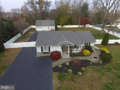 Robbinsville Single Family Home For Sale: 270 Edgebrook Road