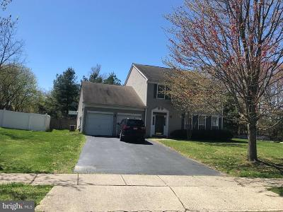 East Windsor Single Family Home For Sale: 2 Oakmont Tr