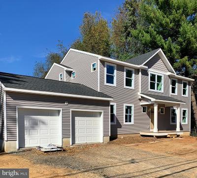 Hamilton Single Family Home For Sale: 95 Herbert Avenue