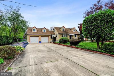 Pennington Single Family Home For Sale: 15 Orchard Avenue