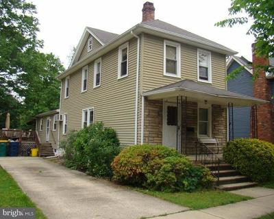 Hightstown Single Family Home For Sale: 152 2nd Avenue