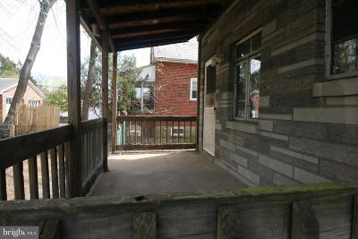 Hamilton Single Family Home Active Under Contract: 330 Newkirk