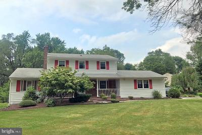 Princeton Junction Single Family Home For Sale: 40 Quaker Road