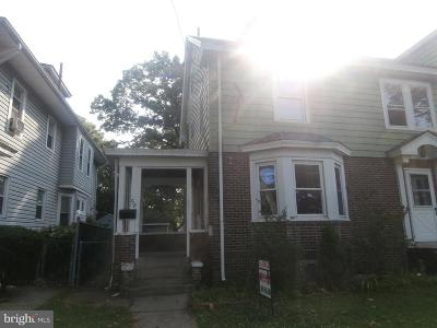Trenton Single Family Home For Sale: 772 Quinton Avenue