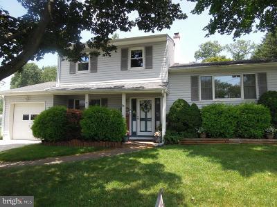 Hamilton Single Family Home For Sale: 16 Carl Sandburg Drive