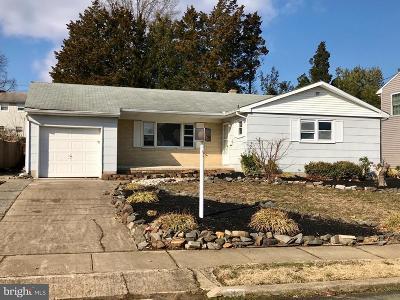Hamilton Single Family Home For Sale: 8 Anita Way