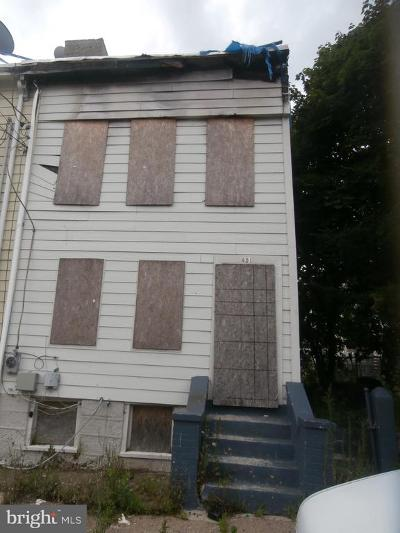Trenton Single Family Home For Sale: 451 N Montgomery Street