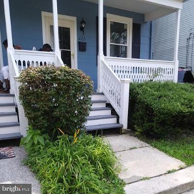 Hightstown Single Family Home For Sale: 225 Rogers Avenue