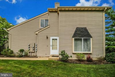 Hightstown Condo For Sale: 41 Chatham Court