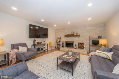 Lawrenceville Single Family Home For Sale: 10 Roseberry Court