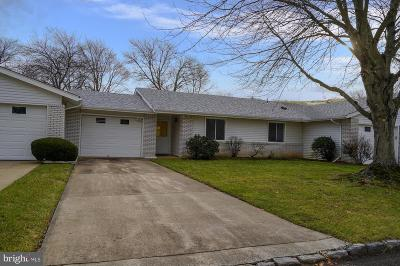 Monroe Township Single Family Home For Sale: 375 Duranta #B