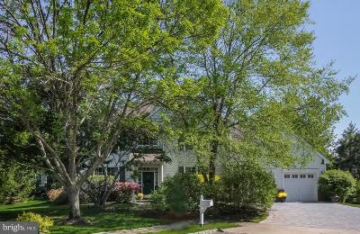 Monroe Township Single Family Home For Sale: 17 Hampshire Place