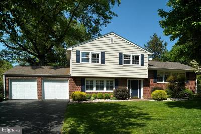 Cranbury Single Family Home For Sale: 2 Griggs Road