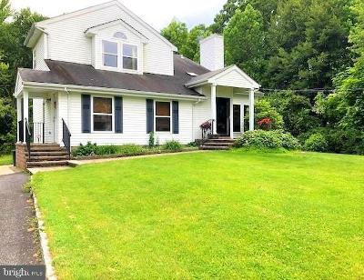 Cranbury Single Family Home For Sale: 49 Friendship Road