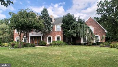 Cranbury Single Family Home For Sale: 18 Silvers Ln N