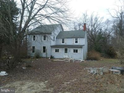 Single Family Home Under Contract: 382 E Millstream Road