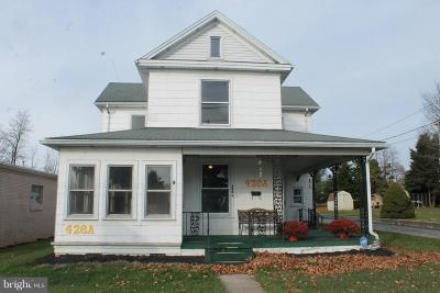 New Oxford Single Family Home For Sale: 426 Lincoln Way West
