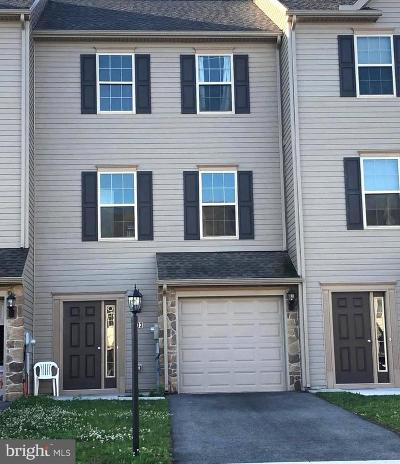 New Oxford Townhouse For Sale: 203 Katelyn Drive
