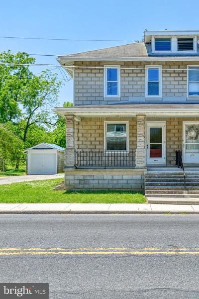 Adams County Single Family Home For Sale: 308 N Queen Street