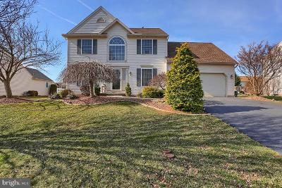 Sinking Spring Single Family Home For Sale: 8 Mellowbrook Drive