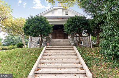 Single Family Home For Sale: 1529 Linden Street