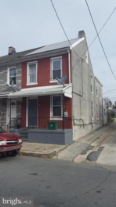 Townhouse For Sale: 819 Muhlenberg Street