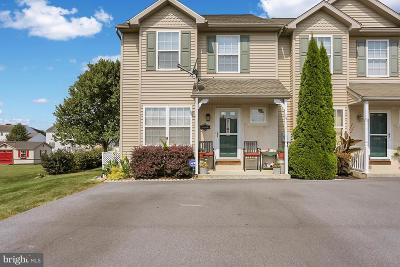 Townhouse For Sale: 490 Hoch Road