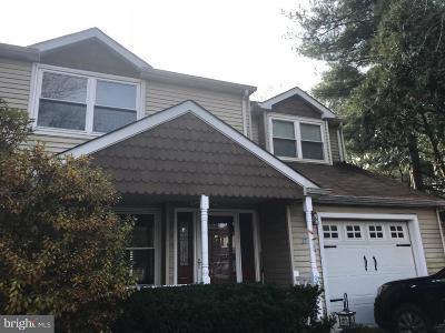 Southampton Single Family Home For Sale: 37 Tree Bark Lane