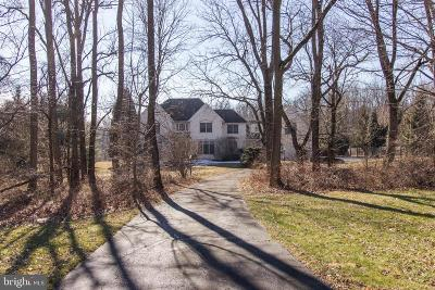 Doylestown Single Family Home For Sale: 215 Briarwood Court