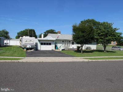 Levittown PA Single Family Home For Sale: $299,000