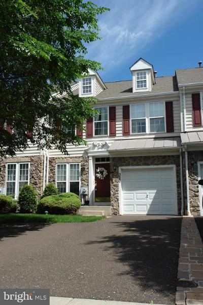 Bucks County Townhouse For Sale: 320 Village Way