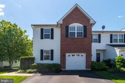 Townhouse For Sale: 141 Hampshire Drive