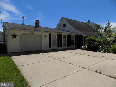 Levittown Single Family Home For Sale: 9 Tulip Tree Road