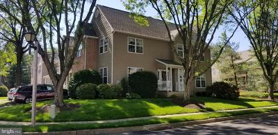 Bucks County Townhouse For Sale: 62 Piccadilly Circle #225