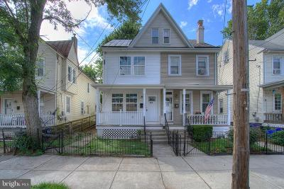 Bristol Single Family Home For Sale: 635 New Buckley Street