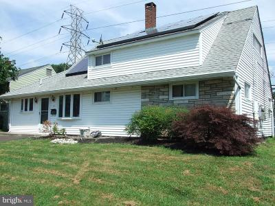 Bucks County Single Family Home For Sale: 51 Grasspond Road