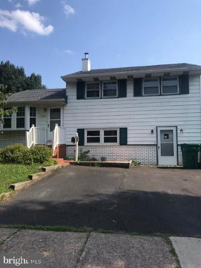 Croydon Single Family Home For Sale: 1304 Karen Avenue