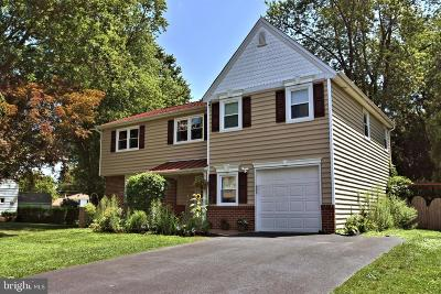 Bucks County Single Family Home For Sale: 19 Crestland Terrace