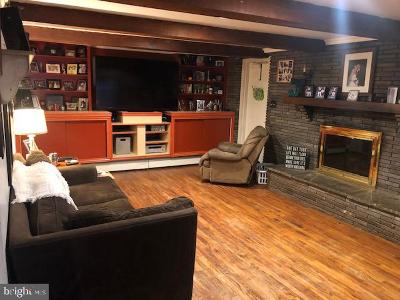 Levittown Single Family Home For Sale: 15 E Trenton Avenue