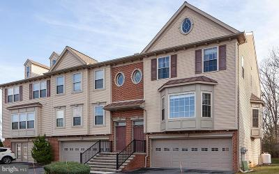 Camp Hill, Mechanicsburg Townhouse For Sale: 6304 Creekbend Drive