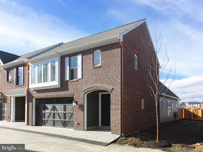 Camp Hill, Mechanicsburg Townhouse For Sale: 3208 Emerson Way