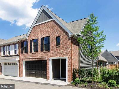 Mechanicsburg Townhouse For Sale: 3207 Emerson Way