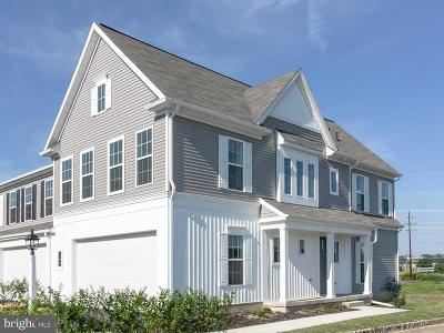 Mechanicsburg Townhouse For Sale: 3253 Katie Way
