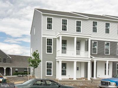 Mechanicsburg Townhouse For Sale: 1423 Ruth Way