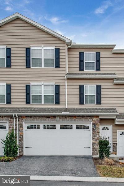 Camp Hill, Mechanicsburg Townhouse For Sale: 815 Spring Rock Court
