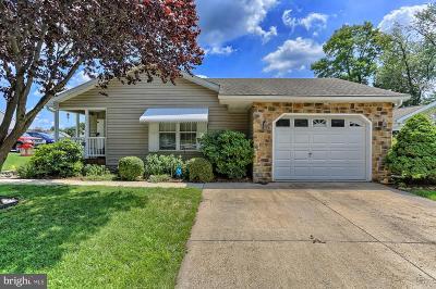 Shippensburg Single Family Home For Sale: 5 Lantern Lane