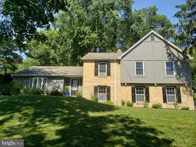 Mechanicsburg Single Family Home For Sale: 469 Woodcrest Drive